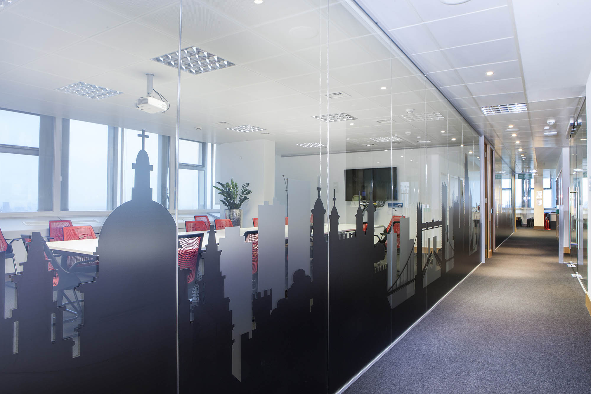 TomTom Glass Partition
