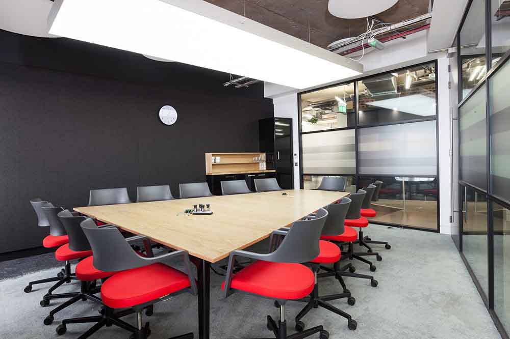 Essence Digital Meeting Room