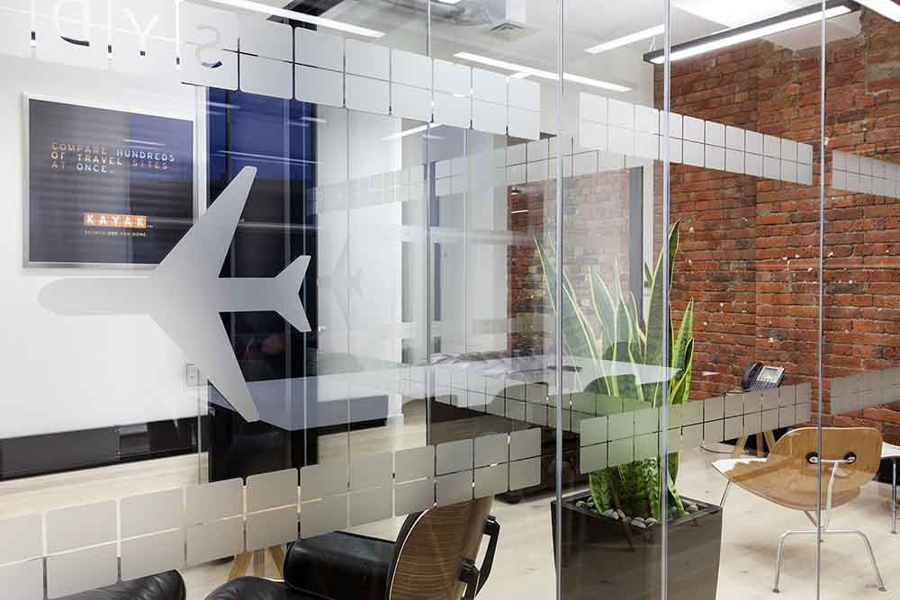 KAYAK Glass Partition