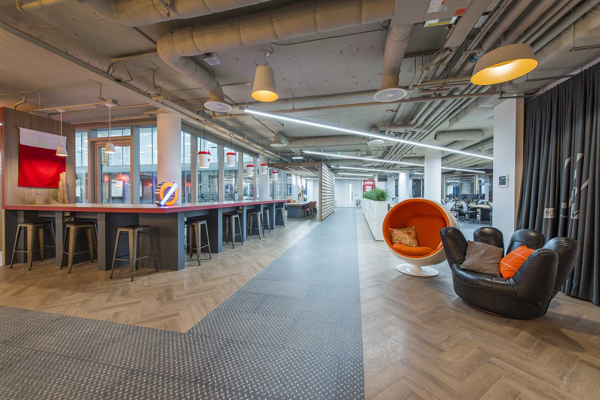 analysis of the pret a manger firm Pret a manger, the uk's leading retailer of natural, ready-to-eat sandwiches, salads and drinks, recently hired interior design firm peldon rose, to design their new offices, located in the westminster area of london.