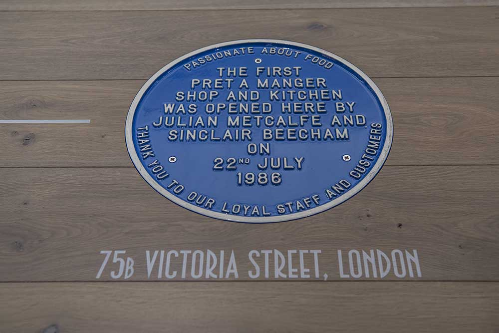 pret blue plaque