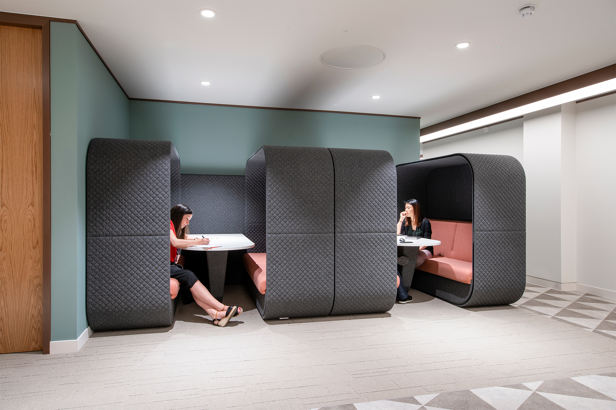 LEO Meeting Booths